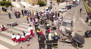 Embedded thumbnail for Последиците од сообраќајните незгоди се болни! Симулација на сообраќајна незгода во Струмица.#ВОЗИОДГОВОРНО! #СТАВИПОЈАС!